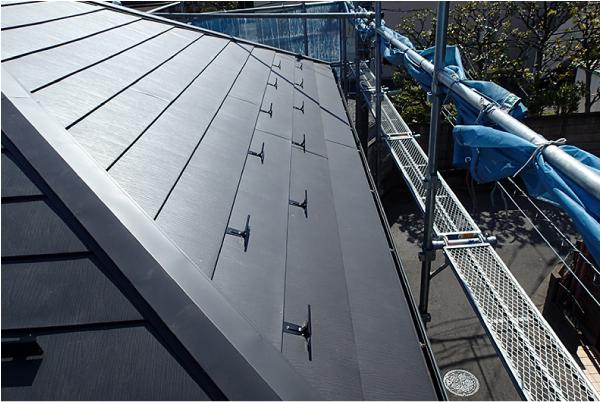 屋根カバー工法完工