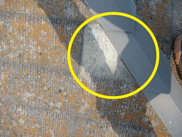 コロニアル屋根材が欠落