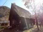 木の屋根材が剥がれた現場