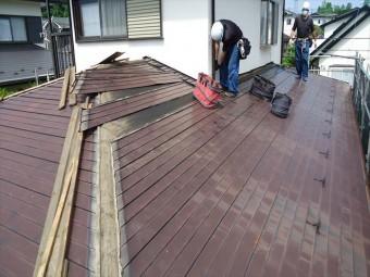 既存の板金屋根材解体