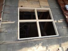 ガラス瓦取付け部に開口、木枠取り付け