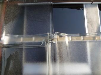 ガラス瓦を専用クリップで固定