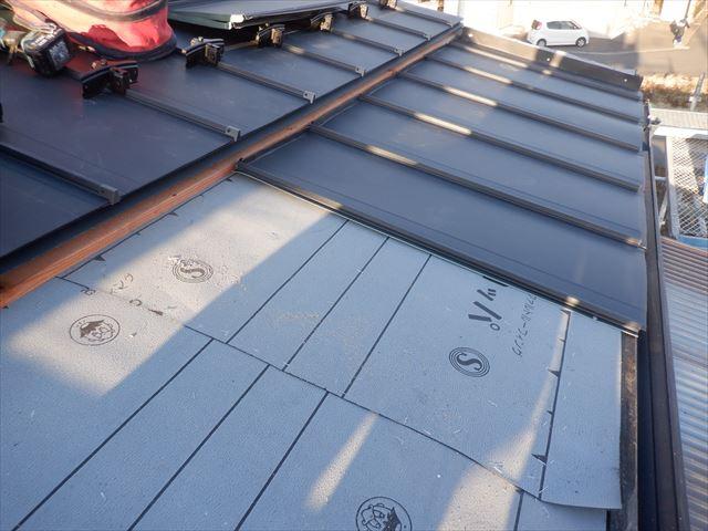 石巻市元倉│トタン瓦棒屋根を解体、立平ロックへ葺き替え(ルーフィング、平葺き)③