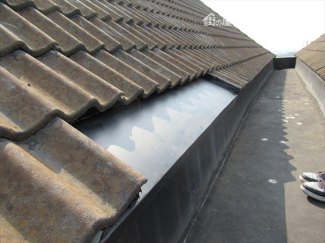 GL鋼板加工屋根材取付完了
