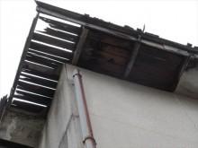 屋根下地破損