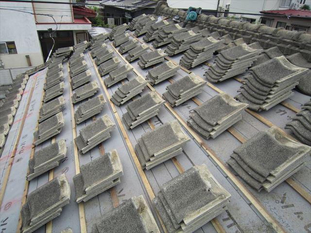 セメント瓦の平葺開始