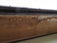 軒天の木材が浸水