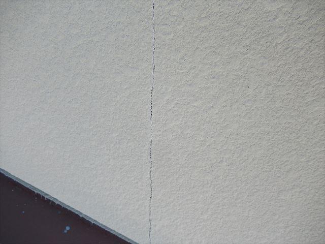 外壁亀裂2