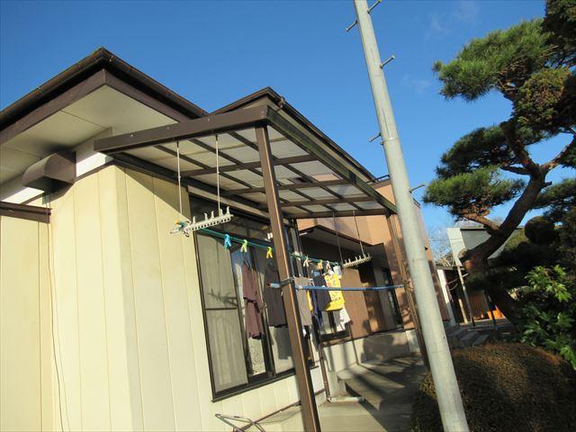 美里町│テラス(物干し)屋根の塩ビ波板が劣化、ポリカ波板へ張り替えを提案
