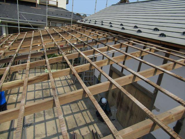 倉庫屋根のトタン解体完了