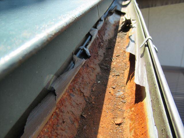 軒樋内側被覆箇所剥がれ