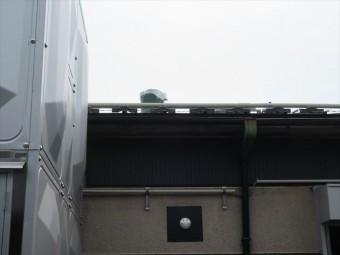 傘が飛ばされた煙突の調査