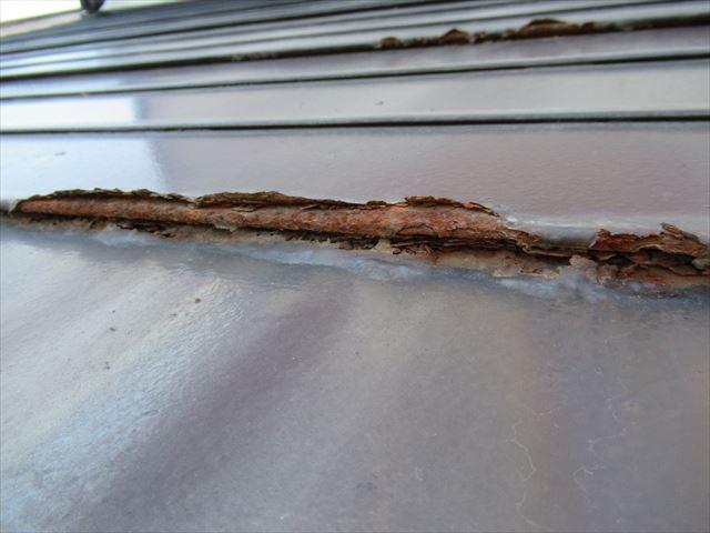 1階屋根の錆び