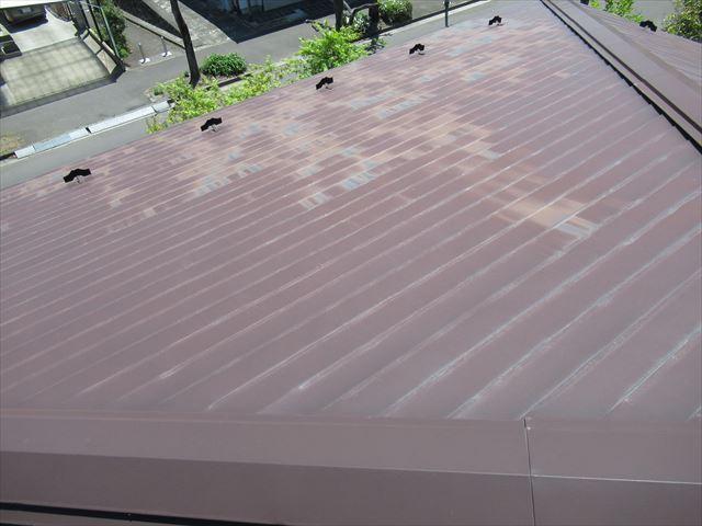 錆が出ている1階の屋根